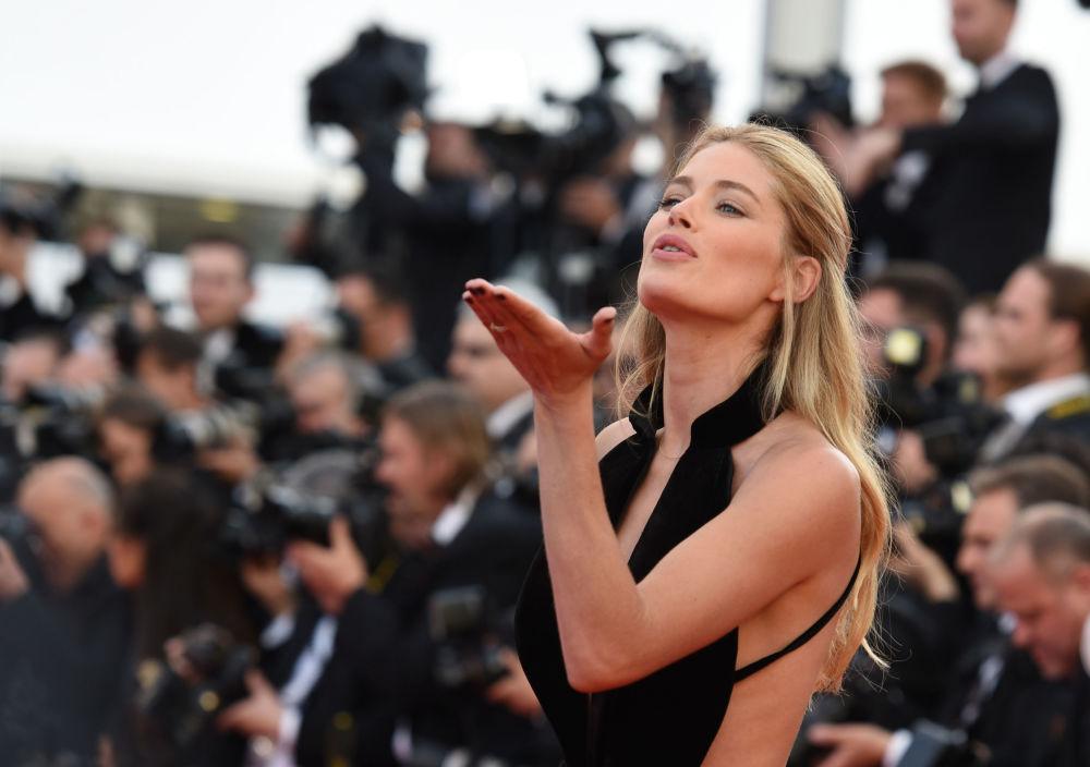 عارضة الأزياء الهولندية داوتسين كورس