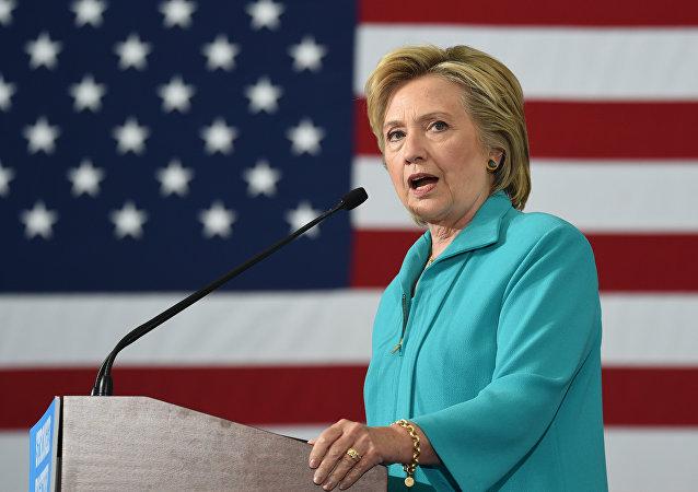 المرشحة الديمقراطية للرئاسة الأمريكية هيلاري كلينتون