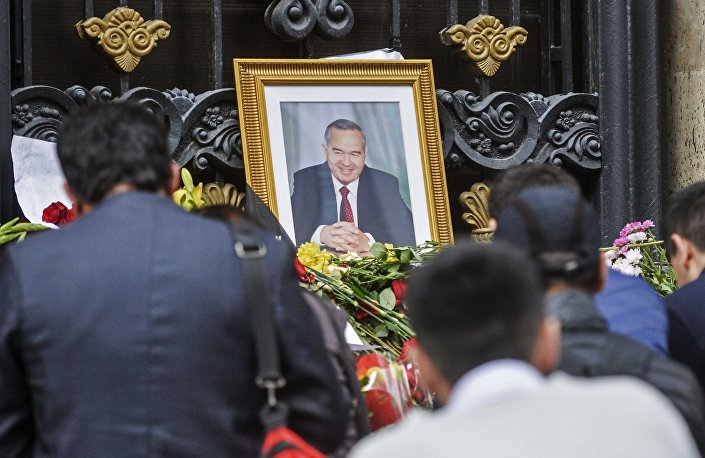 صورة للرئيس الأوزبكستاني الراحل اسلام كريموف