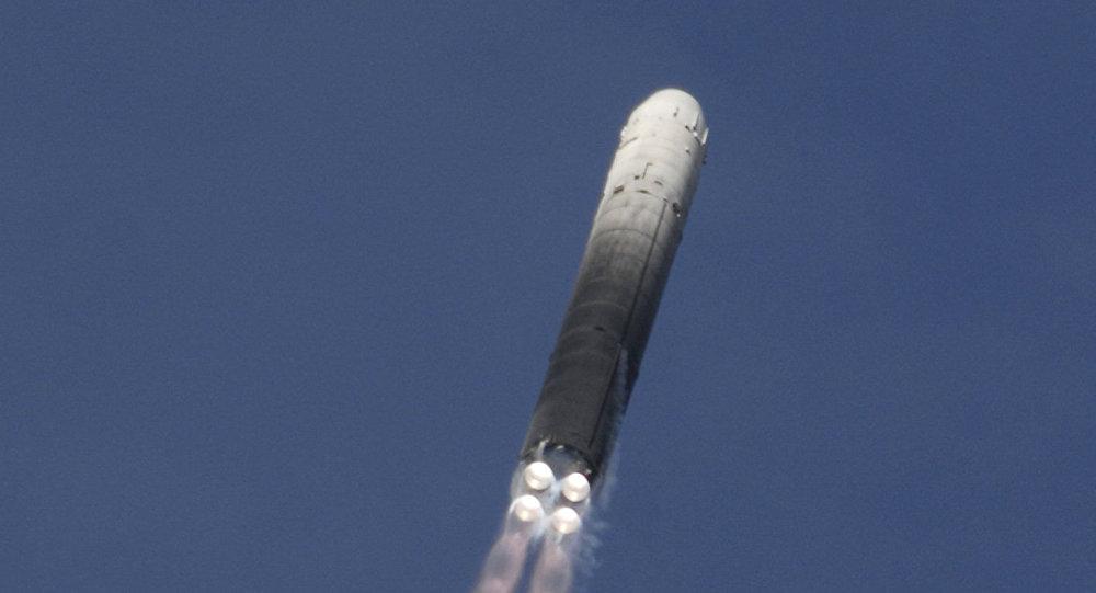 صاروخ أر إس - 18 النووي الروسي