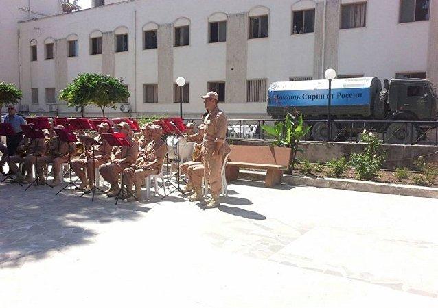 محافظة حمص حملة مساعدات انسانية روسية سورية مشتركة  في ريف حمص الغربي
