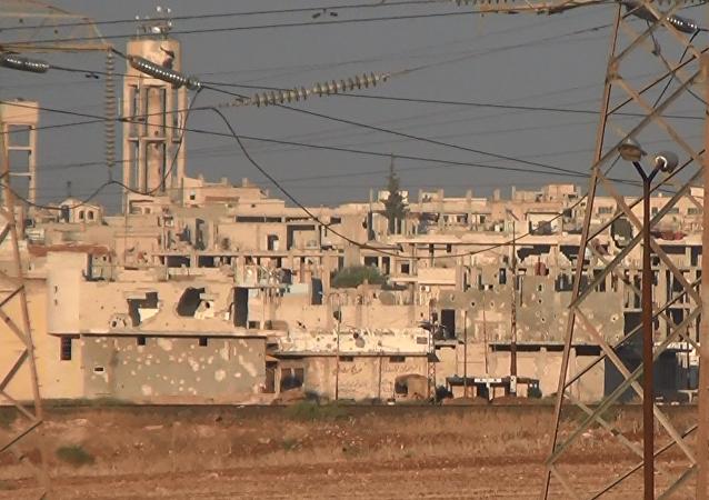 عدسة سبوتنيك على بعد أمتار من أقرب نقاط النصرة شمال حماة