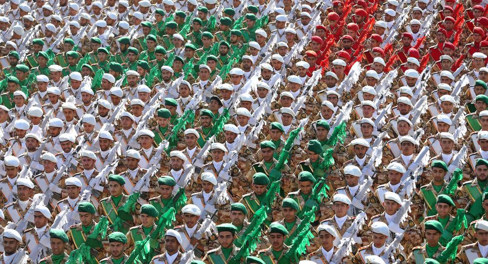 الإستعراض العسكري الإيراني بمناسبة ذكرى الحرب العراقية الإيرانية