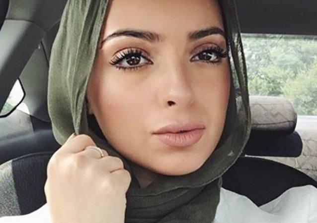 الصحفية نور تاجوري