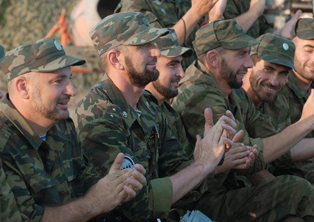 أفراد فرقة المشاة الآلية 42