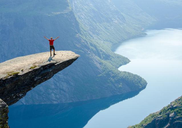 اليوم العالمي للسياحة - مشاهد طبيعية خلابة في ترولتونكا، النرويج