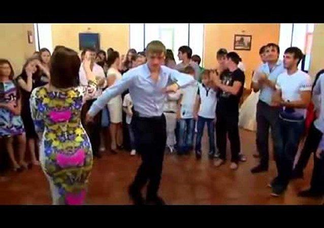 راقصة شيشانية