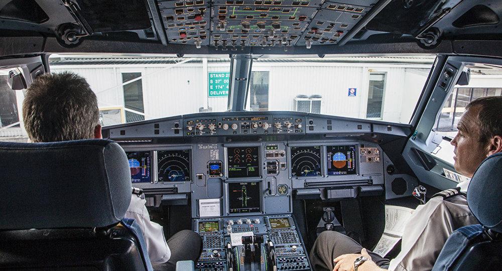 قمرة قيادة طائرة
