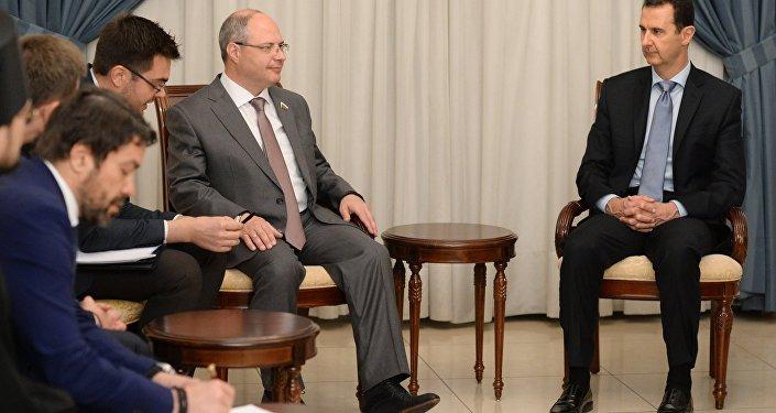 الرئيس السوري بشار الأسد خلال اجتماعه بوفد روسي إلي دمشق، سوريا