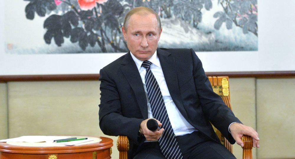 بوتين يتحدث للصحفيين عقب ختام اجتماع قمة مجموعة العشرين في الصين