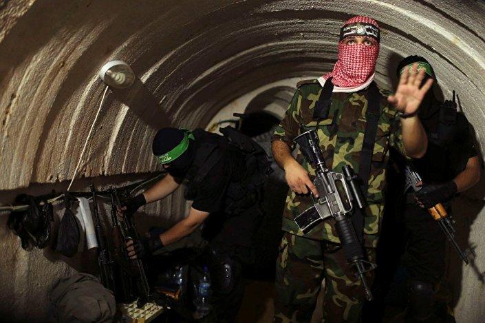 فصائل المقاومة الفلسطينية داخل الأنفاق بقطاع غزّة