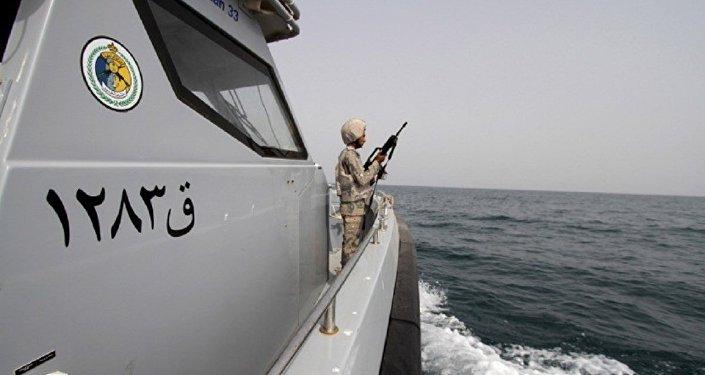 مناورات سعودية في مضيق هرمز