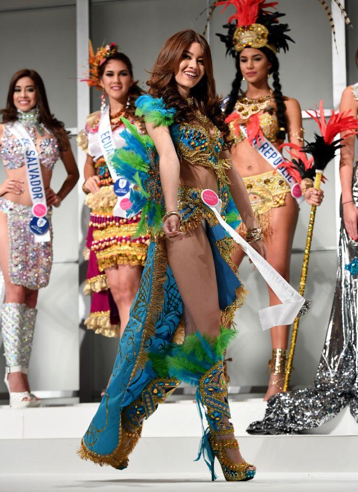 المسابقة الدولية لـ ملكة الجمال في طوكيو لعام 2016، الهندوراسية أندريا نيكول ساليناس غودوي وزيها الوطني، 11 أكتوبر/ تشرين الأول 2016