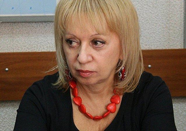 موظفة روسيا سيغودنا في لاتفيا
