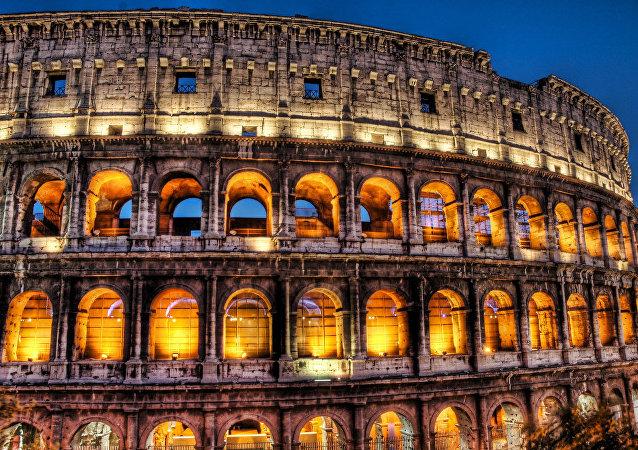 الكوليسيوم في روما