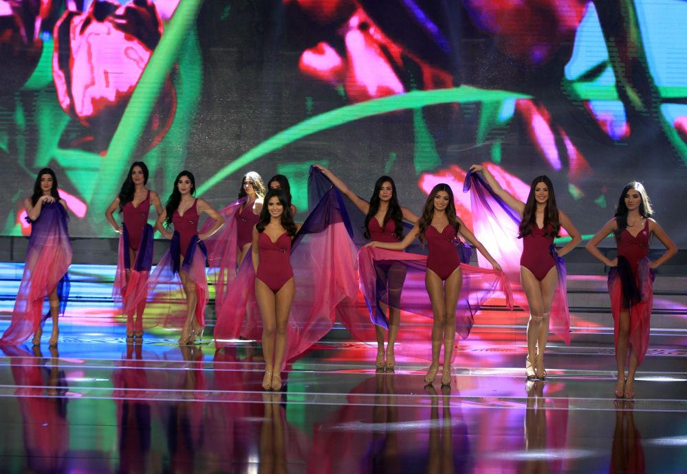الفتيات المشاركات خلال مسابقة ملكة جمال لبنان لعام 2016، بيروت 22 أكتوبر/ تشرين الأول 2016