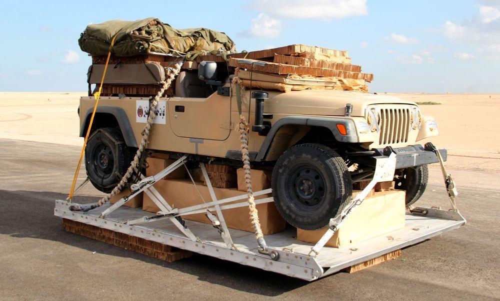 معدات عسكرية خلال مناورات حماه الصداقة - 2016