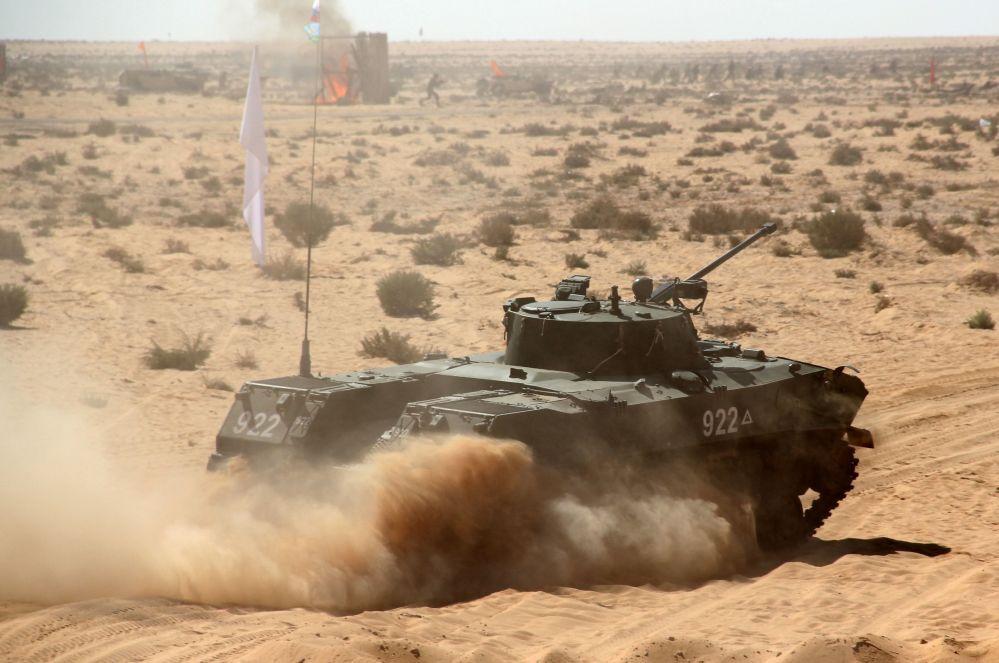 المعدات العسكرية خلال مناورات حماه الصداقة 2016