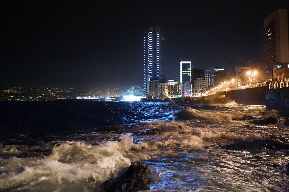 الساحل اللبناني - الكورنيش في بيروت