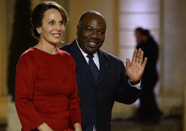 السيدة الأولى سيلفيا بونغو أونديمبا ورئيس الغابون علي بونغو أونديمبا، 2013
