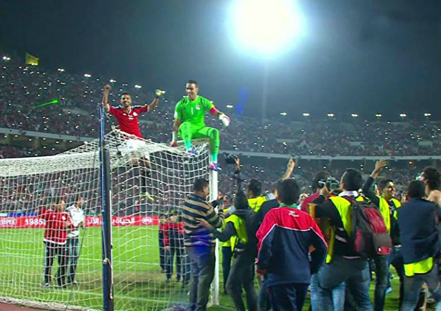 لاعبي المنتخب المصري يحتفلون بالفوز على غانا
