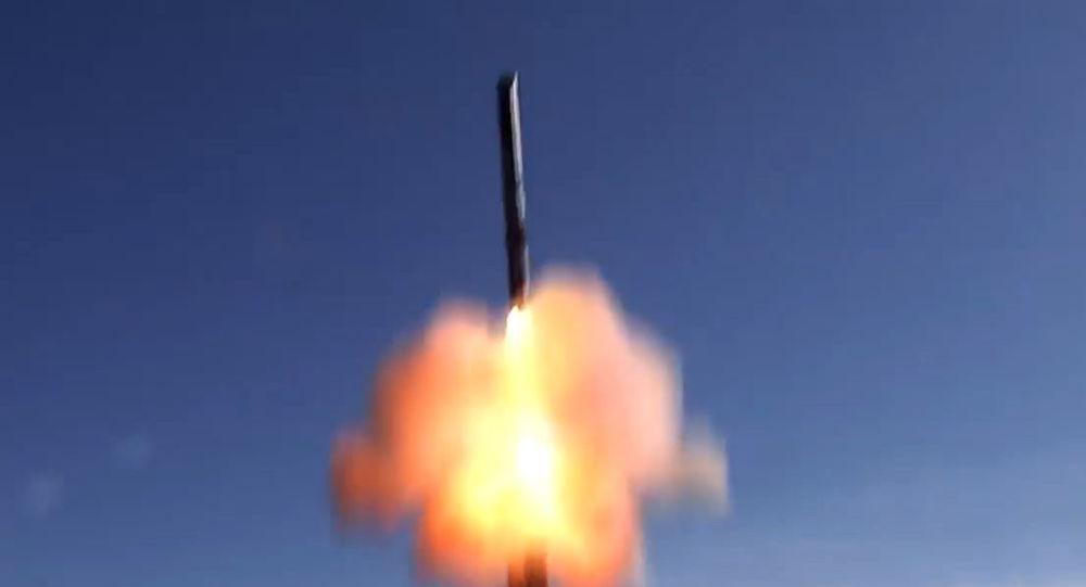 إطلاق الصاروخ المجنح أونيكس من منظومة الصواريخ الساحلية باستيون على مواقع الجماعات المسلحة غير المشروعة في سوريا