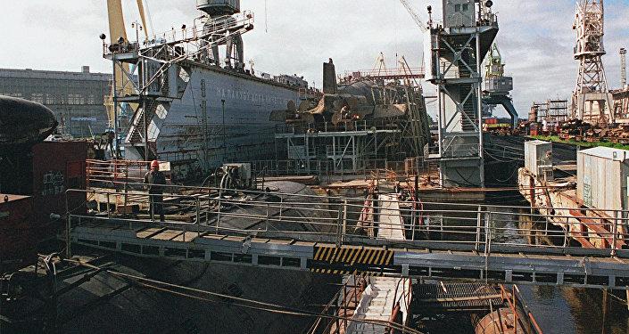 مصنع زفيوزدوتشكا لبناء الغواصات