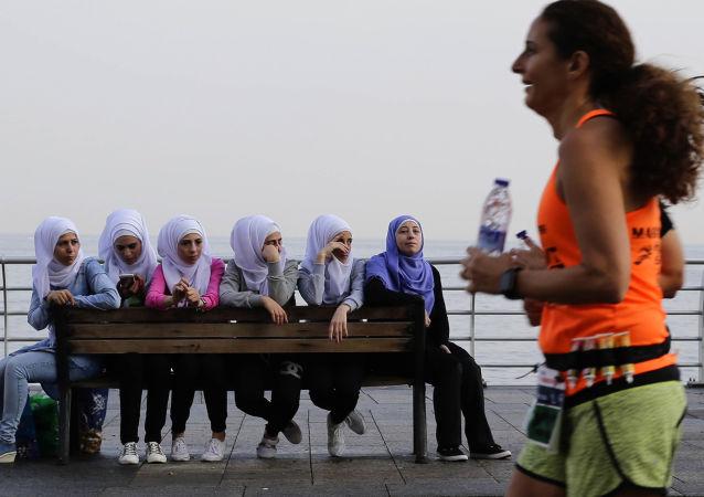 فتيات لبنانيات-أرشيف