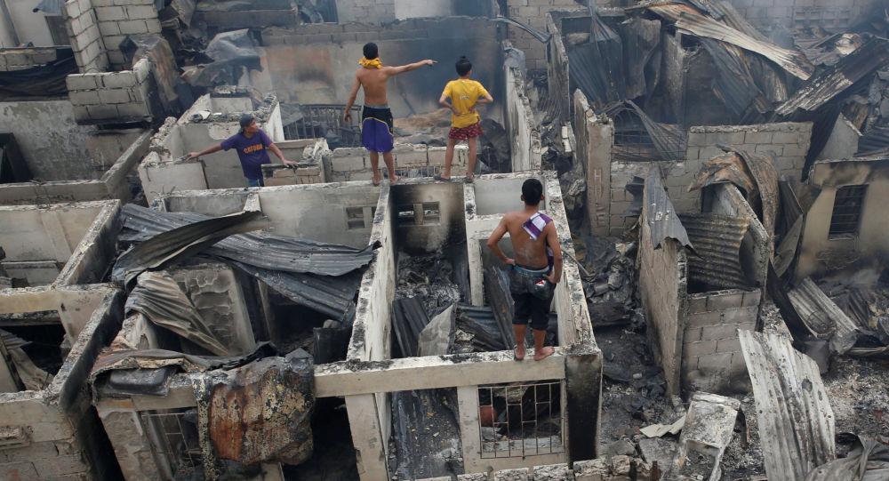 نتيجة بحث الصور عن فرار المئات بعد ثلاث زلازل في الفلبين
