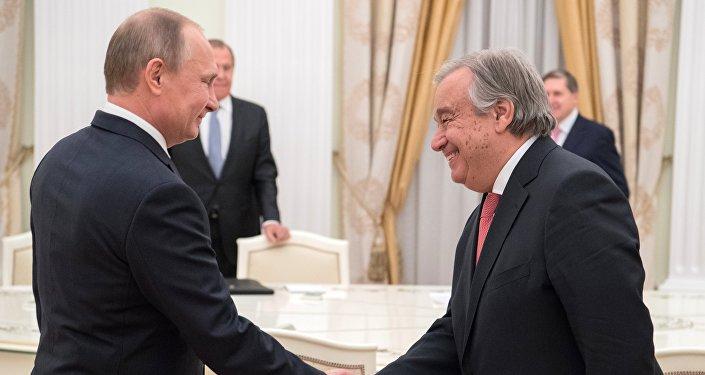 الرئيس الروسي فلاديمير بوتين والأمين العام للأمم المتحدة انطونيو غوتيريش