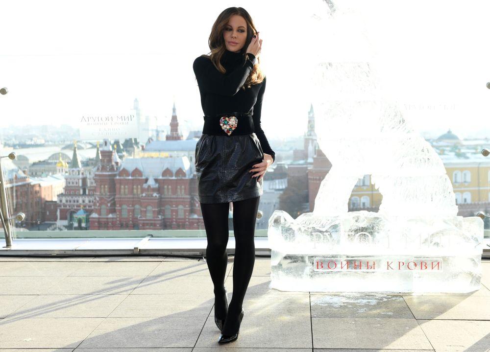الممثلة البريطانية كيت بيكينسايل في فندق ريتز كارلتون (The Ritz Carlton ) بموسكو، وذلك لحضور حفل عرض فيلمها الجديد Underworld: Blood Wars.