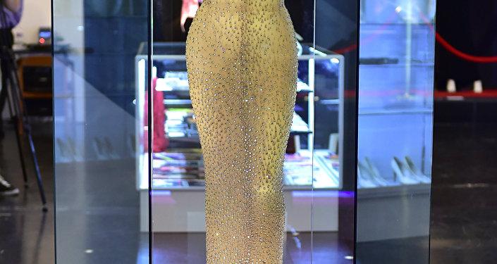 فستان مارلين مونرو