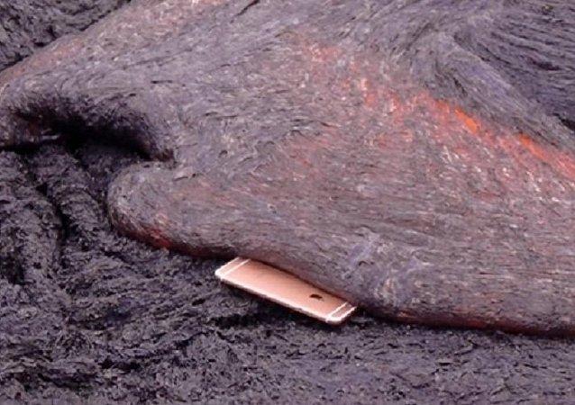 آيفون يحترق