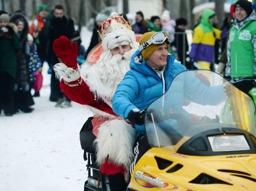 ديد موروز (بابا نويل الروسي) يزور يكاتيرنبورغ، روسيا ديسمبر/ كانون الأول 2016