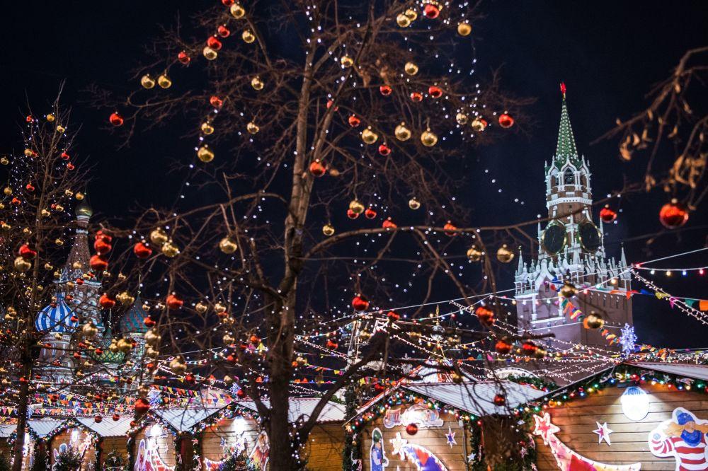 الزينة على ساحة الحمراء في موسكو، روسيا 1 ديسمبر/ كانون الأول 2016