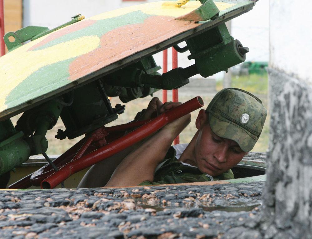 جندي من قوات الصواريخ الاستراتيجية الروسية
