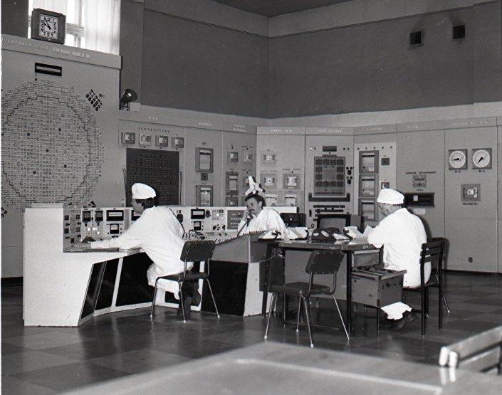 أول المفاعلات النووية السوفيتية