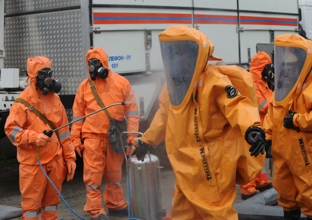 تدريبات فريق الإنقاذ التابع لوزارة الطوارئ الروسية في روستوف نا دونو