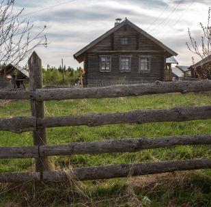 منزل سكني خشبي في قرية كينرما في جمهورية كاريليا