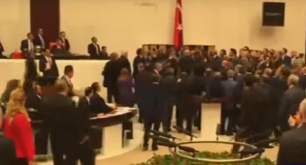معركة البرلمان التركي