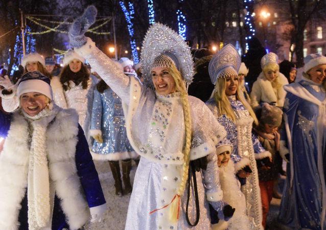 المشاركات في مسيرة سنيغوروتشكي في موسكو