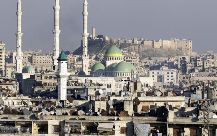 منظر مطل على قل حلب وجامع الرئيس