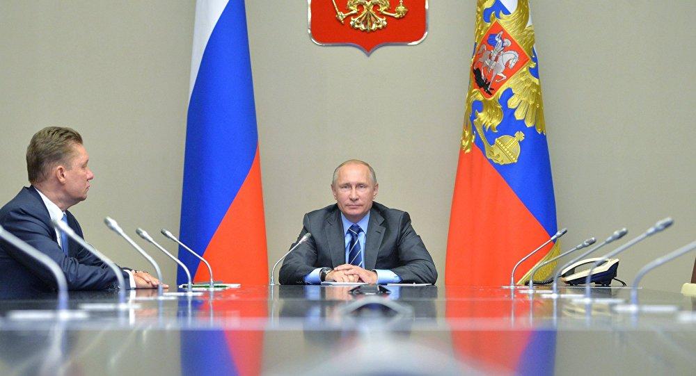بوتين يعطي إشارة البدء لتدشين حقل نفطي جديد