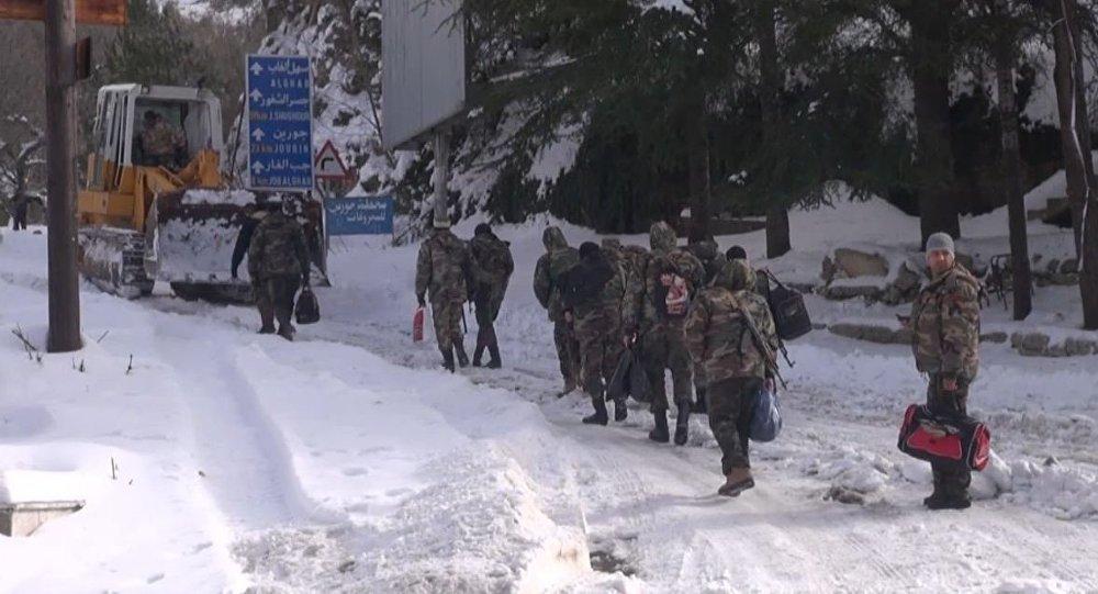 كيف يصل الإمداد للقوات السورية المحاصرة