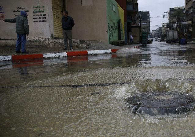 أمطار غزيرة انهالت على قطاع غزة، فلسطين 15 فبراير/ شباط 2017
