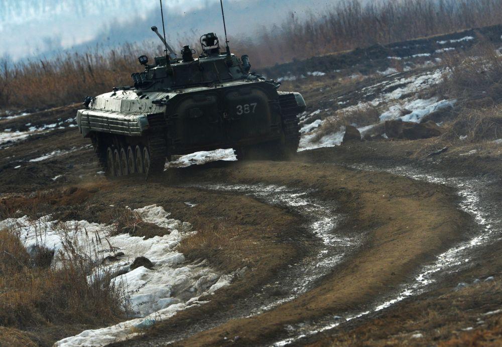 أثناء بطولة روسيا بياتلون للدبابات وهجوم جنود سوفوروف في إقليم بريمورسكي كراي، روسيا