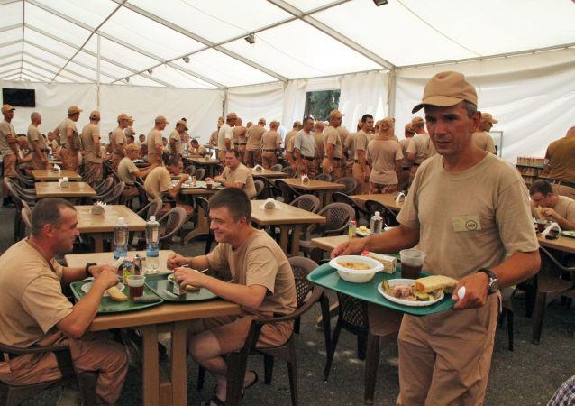 الجنود الروس في القاعدة العسكرية السورية حميميم