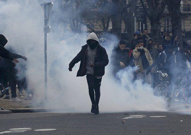 مواجهات بين الشرطة الفرنسية ومتظاهرين