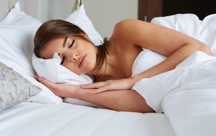 بسبب قلة الحركة… خطر يهدد حياتك أثناء النوم