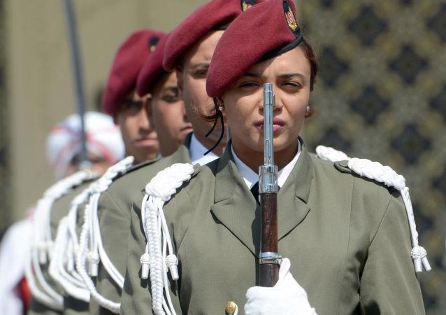 ضابطات تونسيات في خدمة الحرس الرئاسي بقصر الرئيس، تونس 18 مايو/ آيار 2015